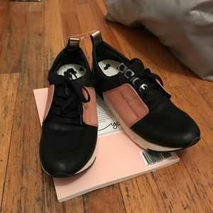 Black/tan/metallic NWT sneakers